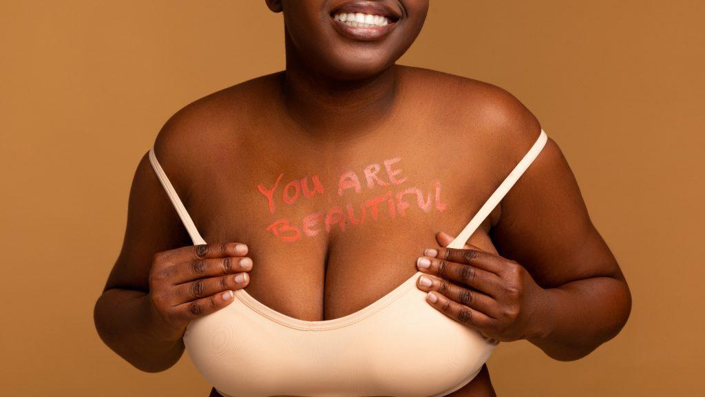 Não é só um comentário: Ju Ferraz fala sobre o body shaming nas redes sociais